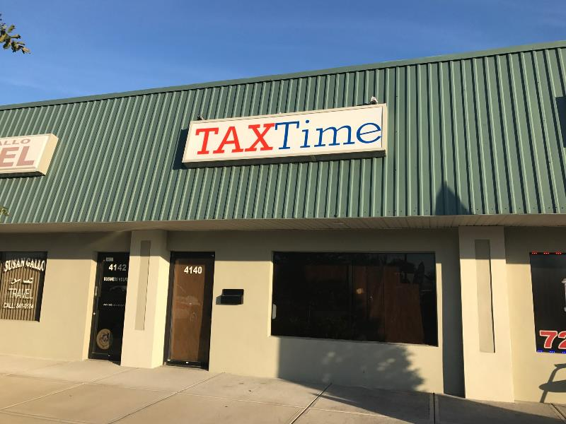 Light box building signs for tax offices and other businesses