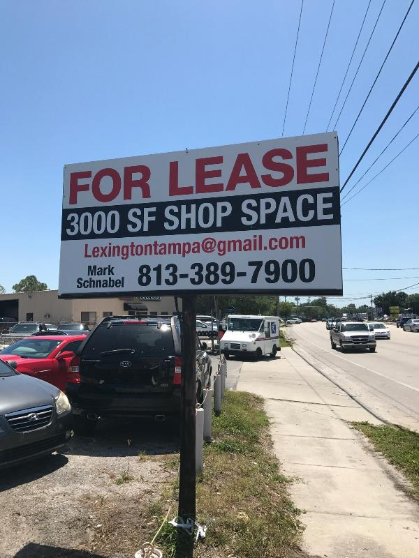 For lease pylon signage for commercial spaces on busy roadways