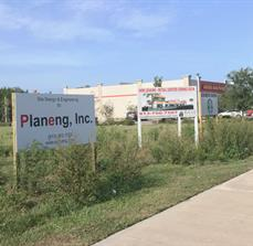 Pre-construction site signs for retail and other land use projects