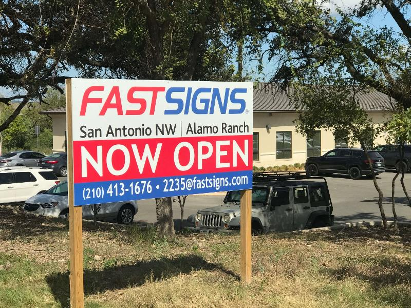 fastsigns of alamo now open