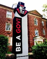 Fabricated dimensional pylon sign with vinyl graphics for university