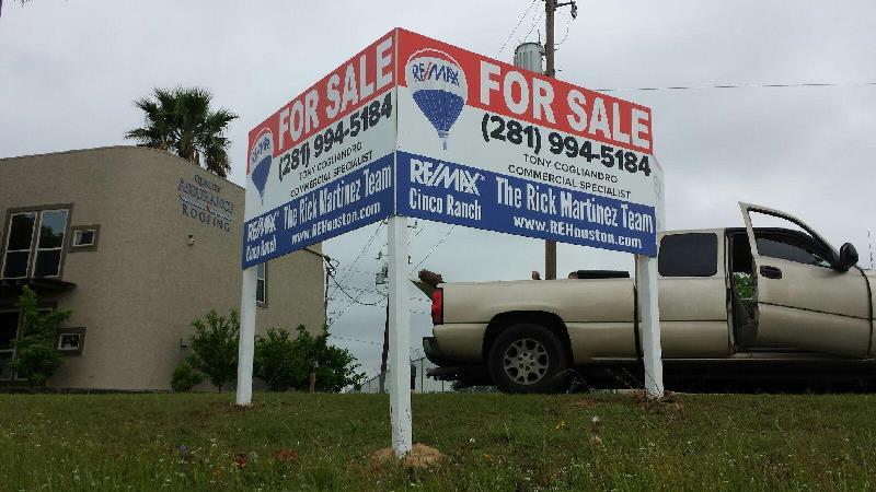 Remax Real Estate Sign