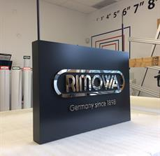 RIMOWA Blade Sign