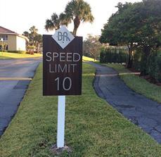 Boca Arbor Club Speed Limit Sign