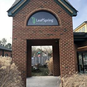 leaspring entrance sign