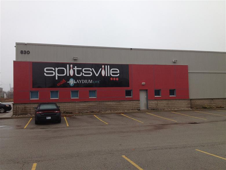 Splitsville Exterior Signage