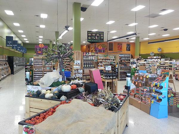 green_market_interior_2