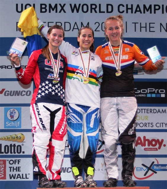alise-post-on-the-podium-with-the-silver-medal-med_8-27