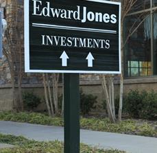 Edward Jones Outdoor Wayfinding Sign